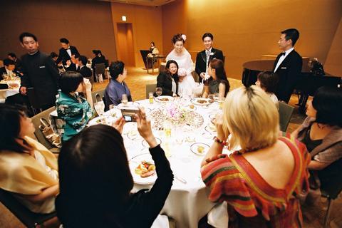 グランドハイアット東京の披露宴です! ヘアメイクプロ愛用☆秘密コスメ★コスメ目利きのあなたが知るべき化粧品の真実★日本には 広告宣伝を全くせず、品質の高さのみで高いご支持の Made in Japan コスメがあります。当店はそんな匠達と、コスメ目利きなあなたをつなぐ会員制サイトです フェロモン美肌組