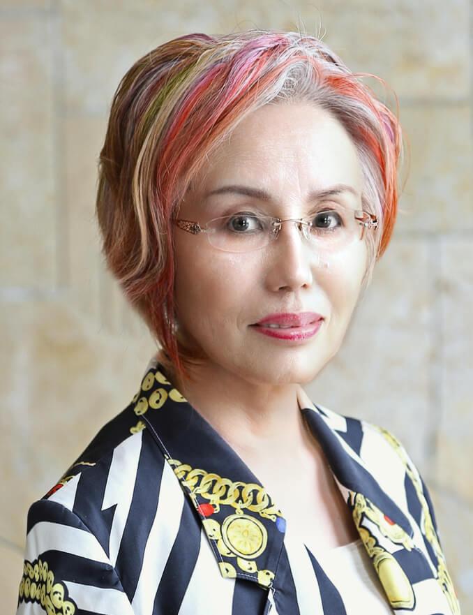 責任者プロフィール ヘアメイクプロ愛用☆秘密コスメ★コスメ目利きのあなたが知るべき化粧品の真実★日本には 広告宣伝を全くせず、品質の高さのみで高いご支持の Made in Japan コスメがあります。当店はそんな匠達と、コスメ目利きなあなたをつなぐ会員制サイトです フェロモン美肌組
